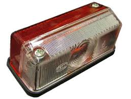 L2 ... Red/Clear Oblong Marker Light w.screw holes